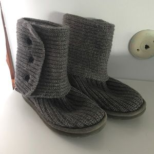 Ugg boots-gray knit